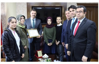 Öğrencilerden Başsavcı Öztoprak'a teşekkür ziyareti
