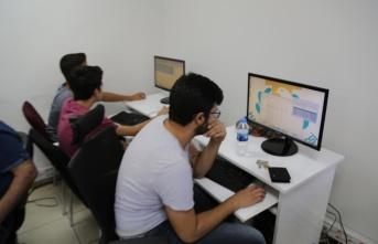 Haliliye Belediyesi'nin Bilgisayar Kurslarına Gençlerden Yoğun İlgi Var
