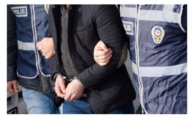 'Polisim' diyen dolandırıcı Urfa'da yakalandı!