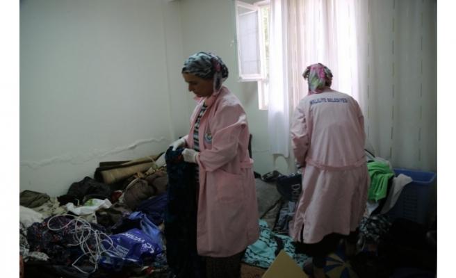 Haliliye ekiplerinden yaşlı kadına yardım eli