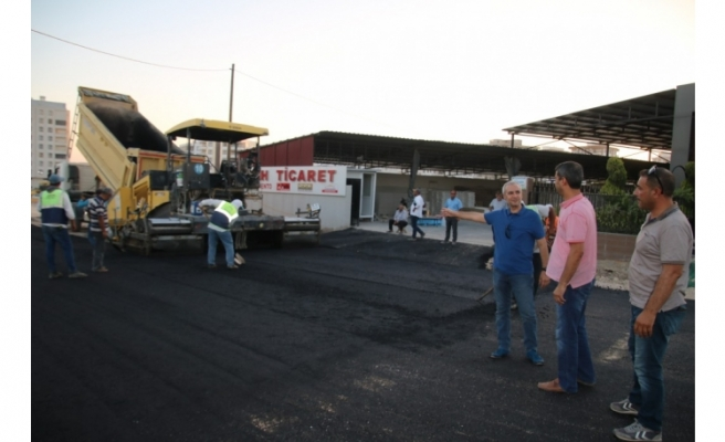 Büyükşehirde okul yolları asfaltlandı