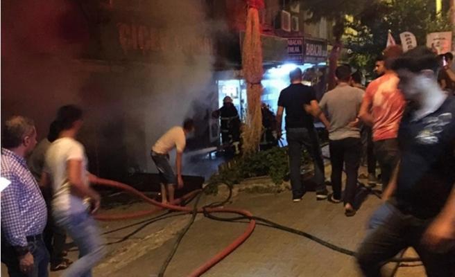 Şanlıurfa'da çiçekçide yangın çıktı