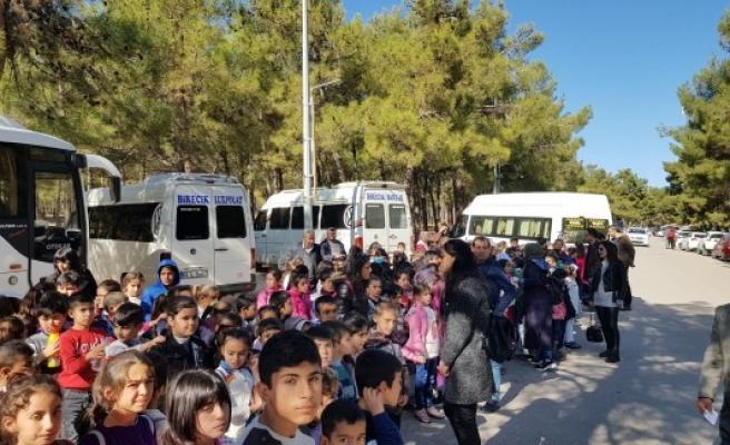 Birecikli öğrenciler tatilde hayvanat bahçesini gezdi