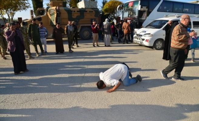 200 Suriyeli evine döndü, duygusal anlar yaşandı