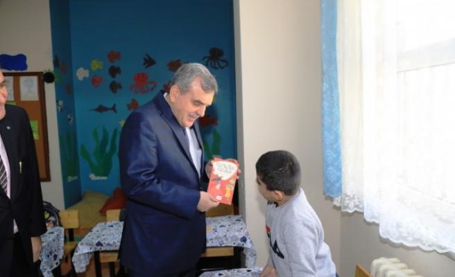 Beyazgül, Öğretmenler Gününü kutladı