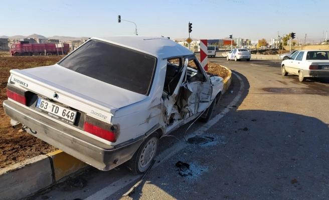 Akçakale yolunda trafik kazası: 2 yaralı