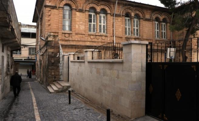 Büyükşehir, tarihi okulda onarım yaptı