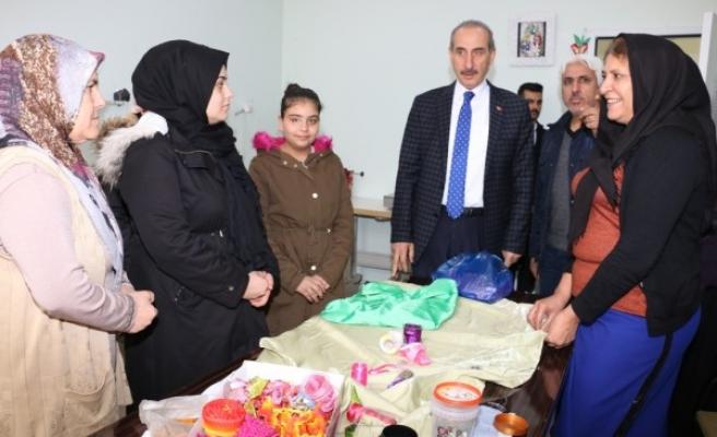Akçakale'de üreten kadınlara destek sürüyor
