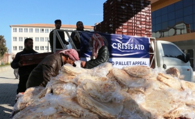 Akçakale'de 6 bin paket ekmek dağıtıldı