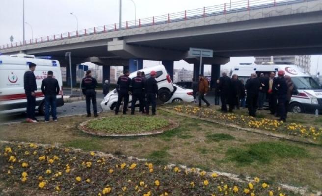 Şanlıurfa'da iki araç çarpıştı: 5 yaralı