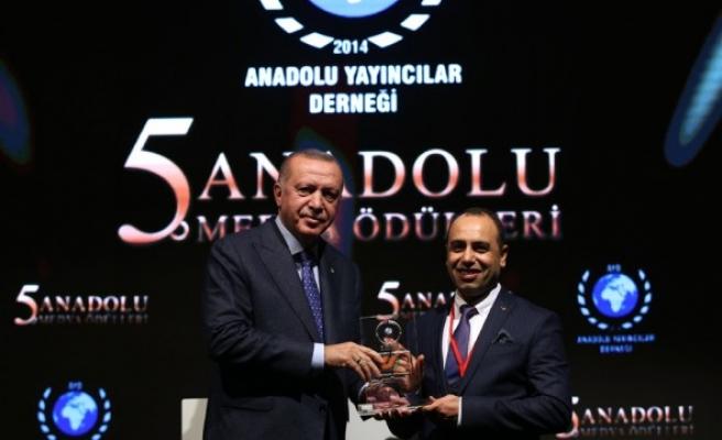 Kanal Urfa'ya ödül! Erdoğan'ın elinden aldı