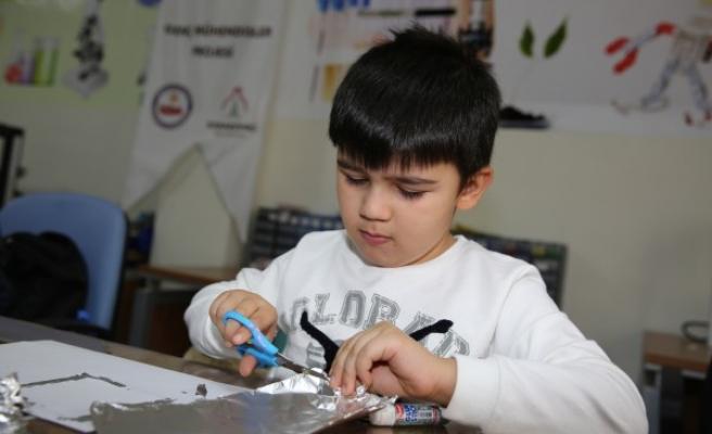 Urfa'da öğrenciler bilimle buluşuyor