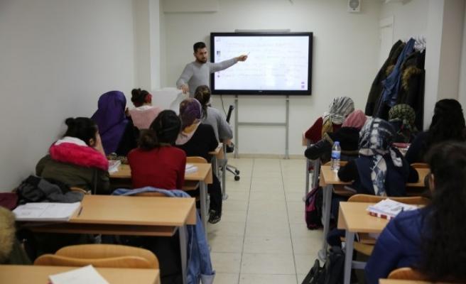 Haliliye'de öğrenciler, sınavlara ücretsiz kurslarla hazırlanıyor
