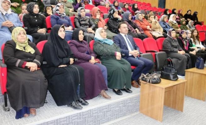 Akçakaleli kadınlarla 'istihdam' toplantısı yapıldı