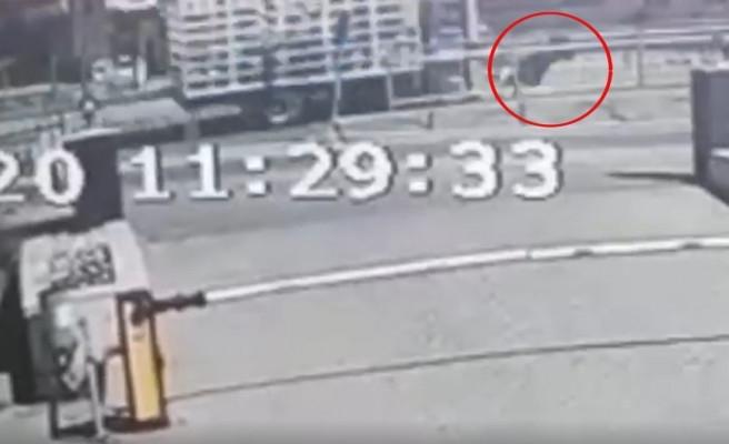 Haliliye'de yaşlı kadına kamyon çarptı