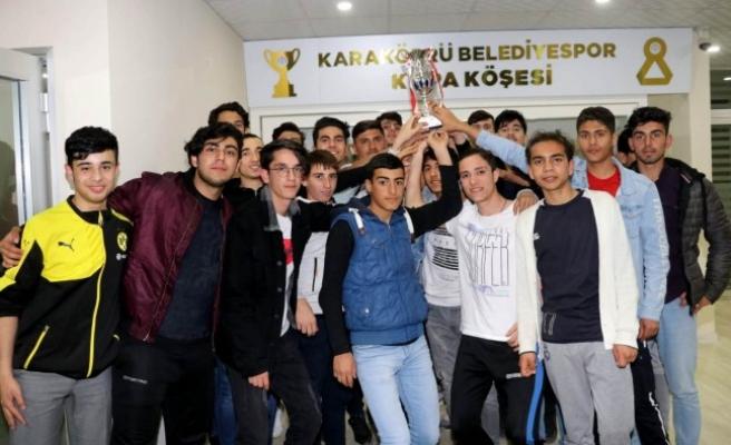 Karaköprü takımı namağlup şampiyon oldu