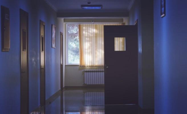 Bakanlık, hastanelere ziyaretçilerle ilgili talimat gönderdi