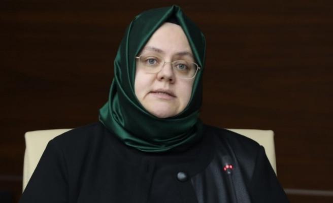 Bakan Selçuk'tan idari izin açıklaması