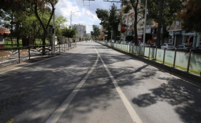 Bayram sevincinin yaşandığı Urfa sokakları bu yıl boş kaldı