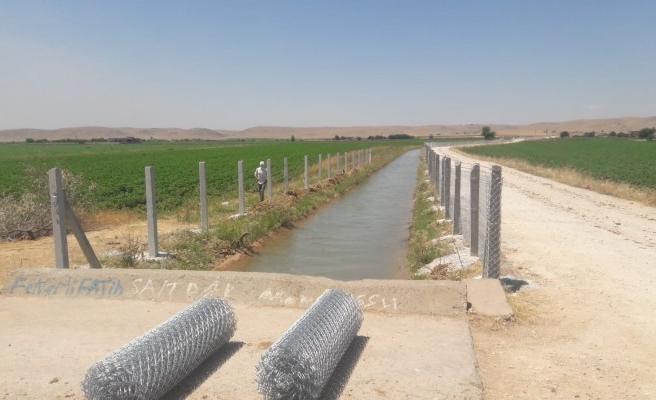DSİ, sulama kanallarını tel örgü ile kaplıyor