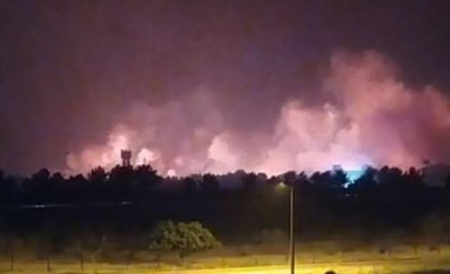 Urfa sınırında korkutan yangın meydana geldi