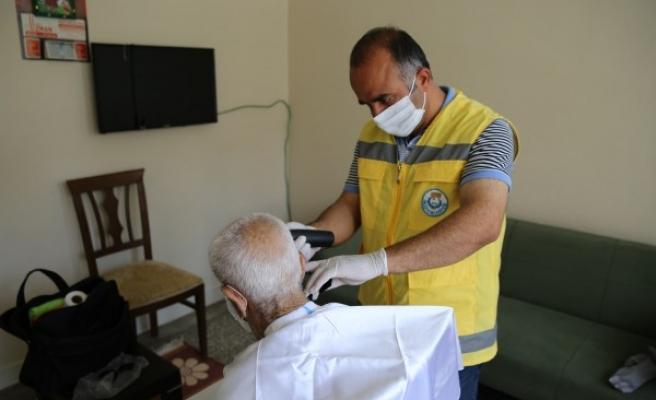 Urfa'da evde bakım hizmetleri devam ediyor