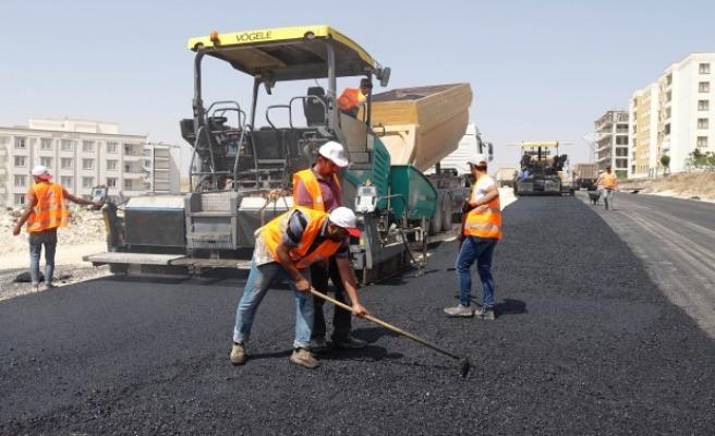Büyükşehir asfalt serimini kent genelinde sürdürüyor
