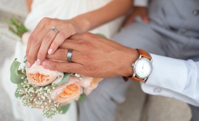 Evlenmeyi düşünenler için 'kredi' talebi
