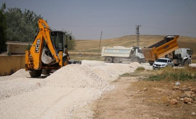 Haliliye'de yol çalışmaları merkez ve kırsalda sürüyor