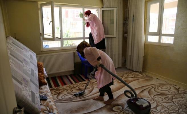 Urfa'da evde bakım hizmetleri sürüyor