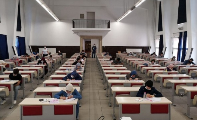 Harran Üniversitesinde Yabancı Öğrenci Sınavı yapıldı