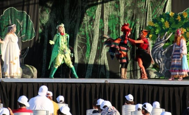 Şanlıurfa'da 'Altın Kız' oyunu çocuklar için sahnelendi