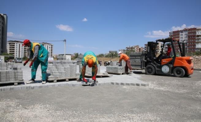 Karaköprü'de kilitli parke çalışmaları devam ediyor