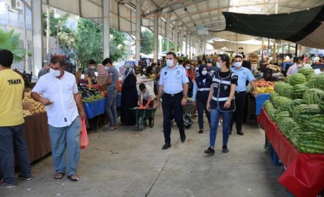 Haliliye'de ekipler sahaya indi: Maske denetimi yaptı