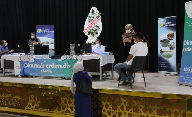 Şanlıurfa'da üniversite öğrencilerine 'tercih desteği' veriliyor