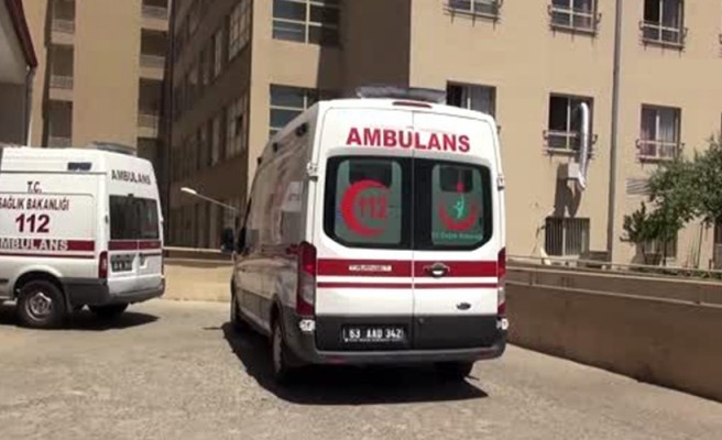 Şanlıurfa'da otomobil devrildi: Aynı aileden 9 yaralı