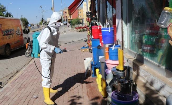 Viranşehir'de işyerleri dezenfekte ediliyor