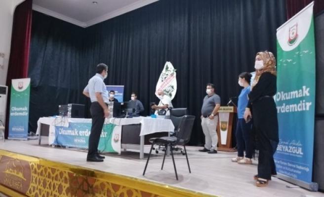 Urfa'da üniversite öğrencilerine tercih desteği sürüyor