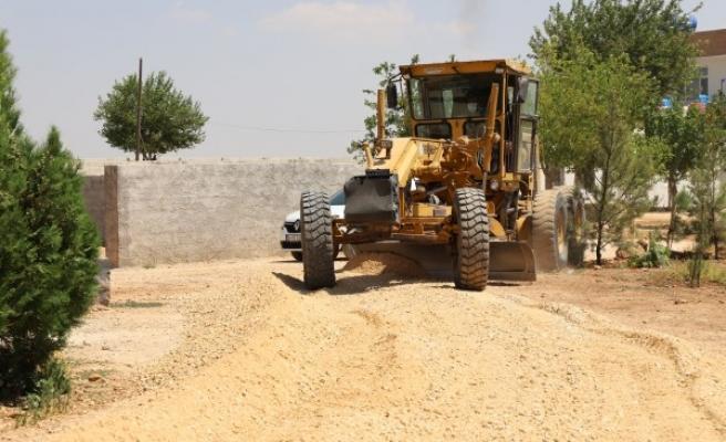 Karaköprü'de deforme olan yollar onarılıyor
