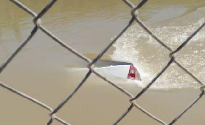 Şanlıurfa'da araç kanala uçtu: 3 ölü