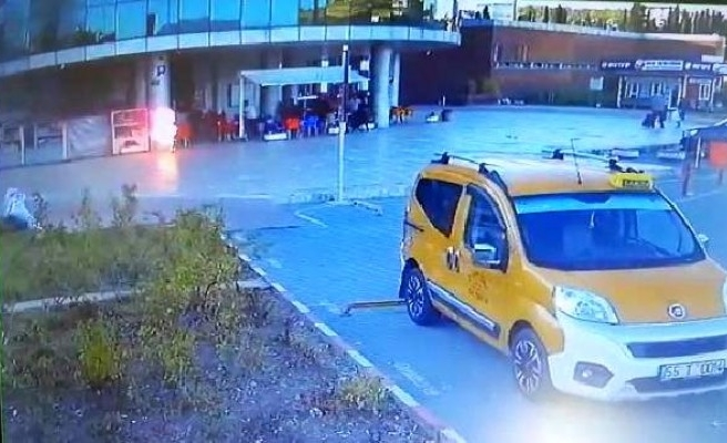 Otobüs terminalinde kendini yakan Urfalı genç hayatını kaybetti