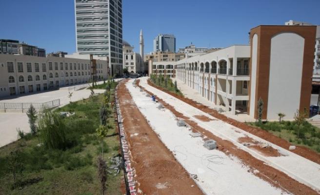 Urfa'da yeşil koridor ve standart cadde yapımı sürüyor