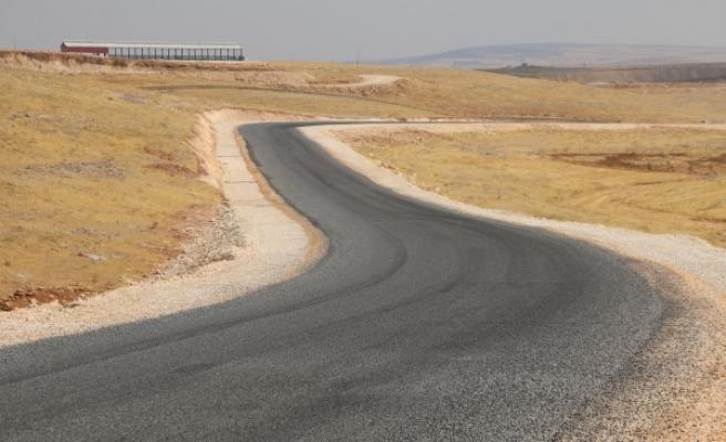 Urfa'daki 'besi' yolu asfaltla buluşturuldu