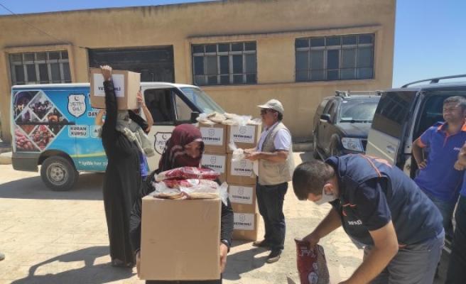 Telabyad'daki muhtaç ailelere yardım eli uzandı