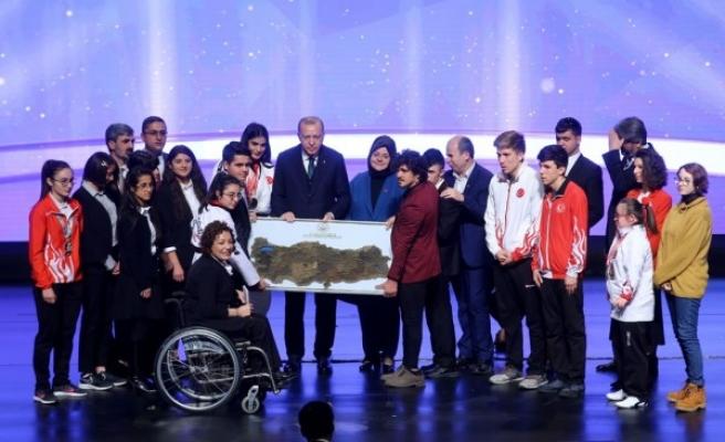Bakanlıktan koruma altındaki gençlere 'Hayat' rehberi