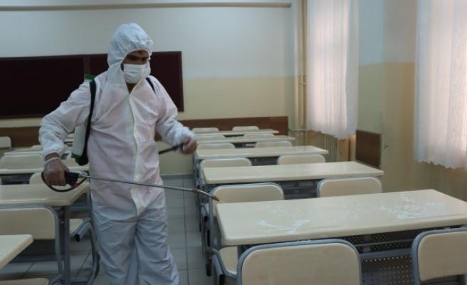 KPSS öncesi Urfa'da okullar dezenfekte edildi