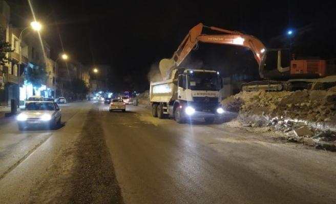Açıksu Caddesindeki çalışmalar gece-gündüz sürüyor