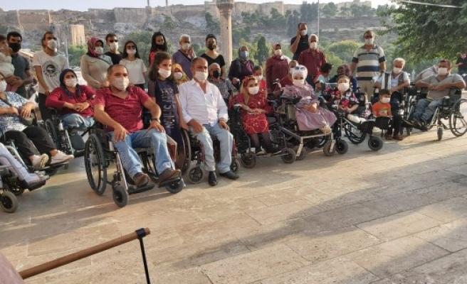 Şanlıurfa'daki 45 engelliye araç hediye edildi