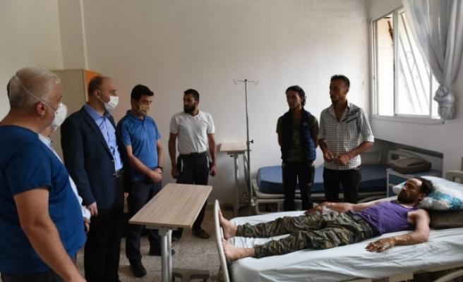 Şanlıurfa Valisi sınır ötesindeki yaralıları ziyaret etti