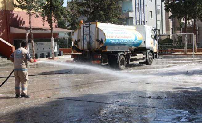 Şanlıurfa'daki okullarda hazırlık: Dezenfekte ediliyor